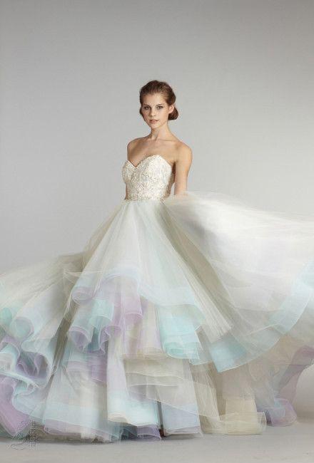 像彩虹一样的婚纱图片